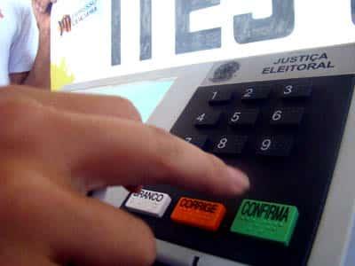 Urna eletrônica - imagem: rodrigodrable.blogspot.com