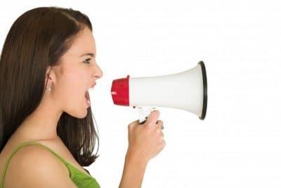 Gritando para seus consumidores nas redes sociais - imagem: diarioliberdade.org