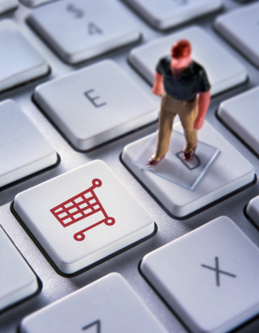 """teclado de computador com tecla """"carrinho"""" - imagem: Jonathan Kitchen/Digital Vision"""
