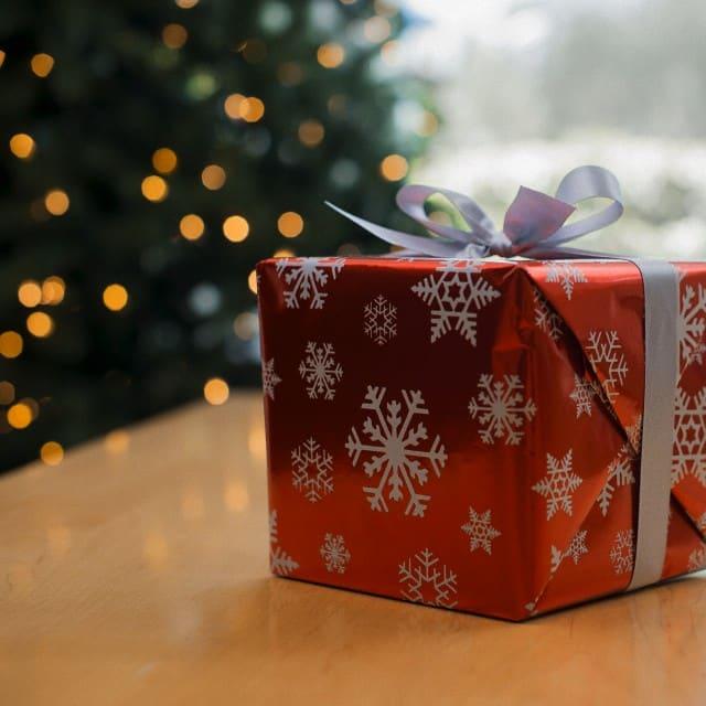 Preparando a loja pro Natal - imagem: Tim Pannel/Corbis