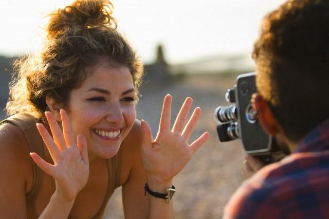 Vídeos no e-commerce - imagem: Tanya Grant